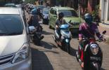 Stossstange an Stossstange, Rush hour in Ubud