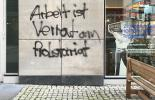 Graffitti: Arbeit ist Verrat am Proletariat