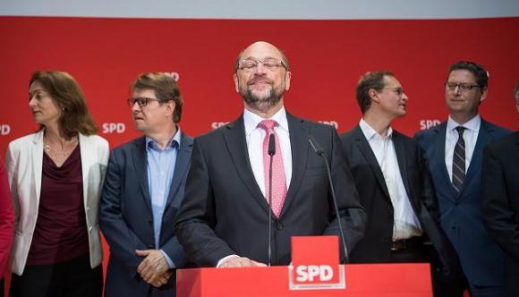 Martin Schulz und das SPD-Präsidium nach der Wahl in NRW