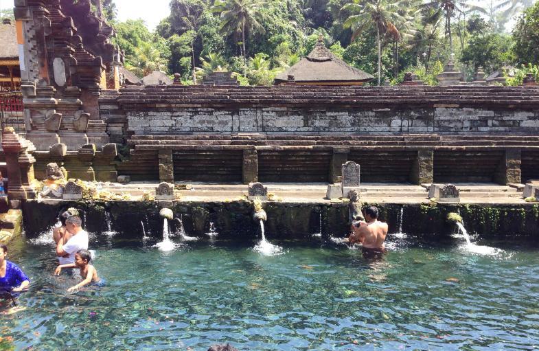 heilige Waschungen im Tempel
