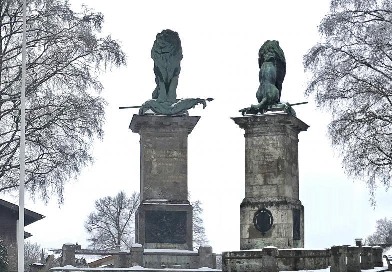 Der Bayerische Löwe wacht über das Land