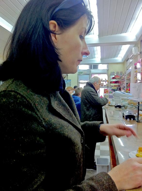 Sigrid Stinnes im Cafe in Madrid