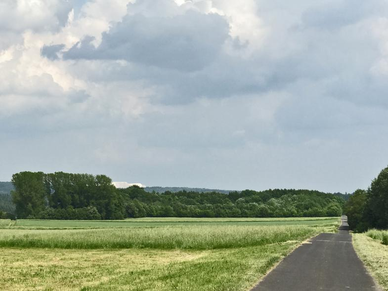 Ein Kaliberg in der Landschaft