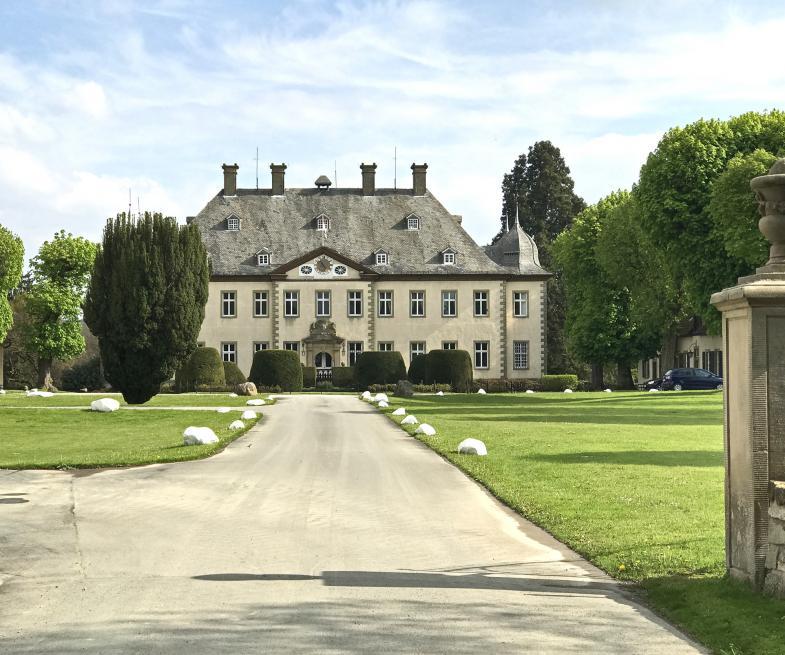 """Ein """"Schloss"""" bei Büren"""