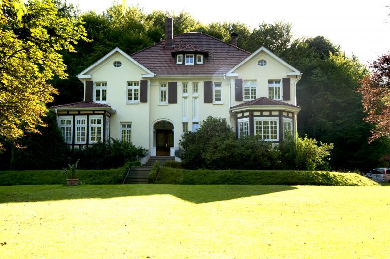 Ein schönes, grosses Haus